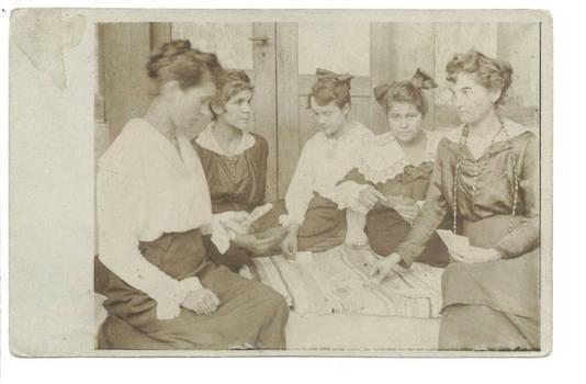 1918 vintage Lady poker game photo postcard R